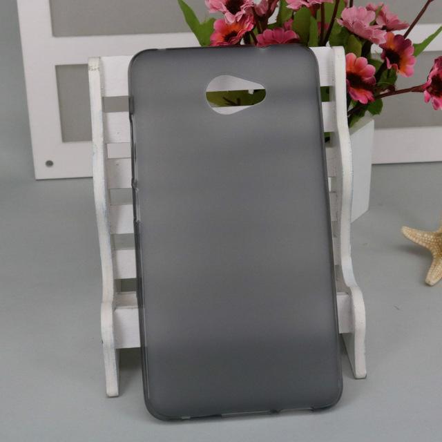 Silikonové pouzdro na mobil Vodafone Smart Ultra 7, tmavé (Silikonový kryt či obal na mobilní telefon v průhledném provedení Vodafone Smart Ultra 7)